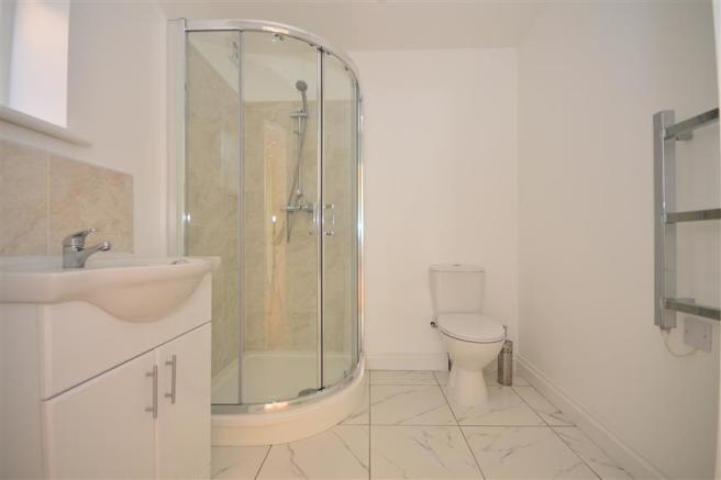 Summer House Shower