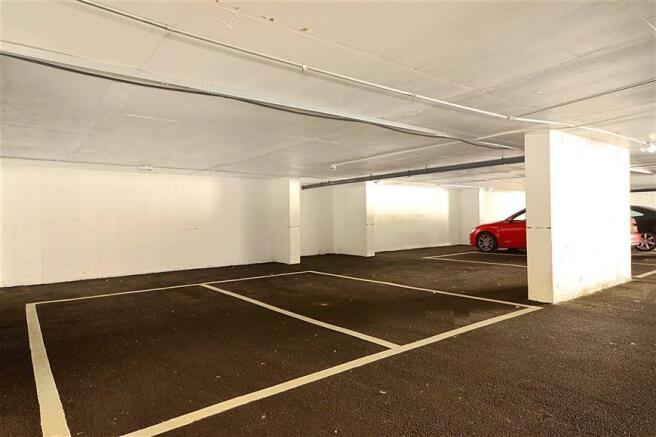 Driveway/Parking