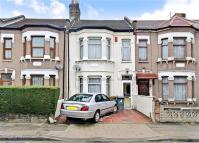3 bedroom Terraced property for sale in Victoria Avenue...