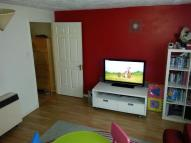 1 bed Ground Flat in Evelyn Denington Road...