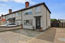3 bed End of Terrace home for sale in Elm Park Avenue...