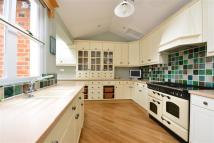 4 bed Detached home in Buckingham Road...