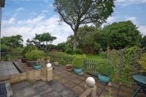 2 bedroom Ground Flat for sale in Heathfield Road...