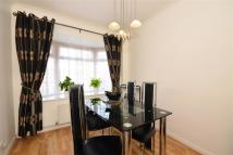 4 bed semi detached home in Collindale Avenue, Erith...