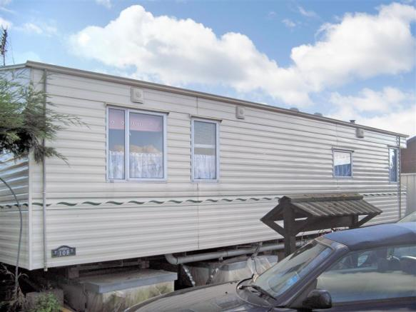 2 Bedroom Mobile Home For Sale In Yalding Maidstone Kent ME18