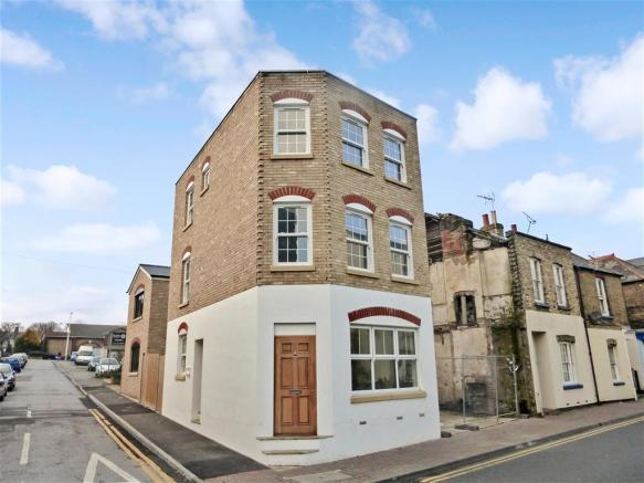 3 bedroom detached house for sale in king street ramsgate kent ct11