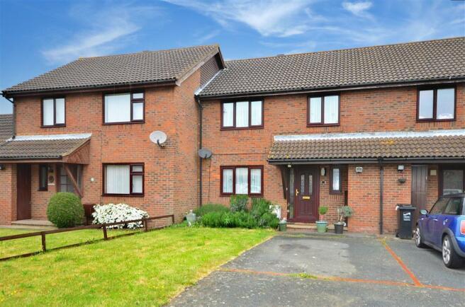 3 bedroom terraced house for sale in esmonde drive manston ramsgate kent ct12