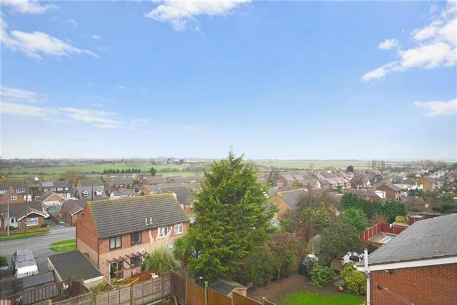 4 Bedroom Detached House For Sale In Waverley Avenue