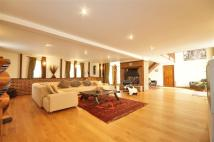 5 bedroom Detached house in Staplehurst Road, Marden...
