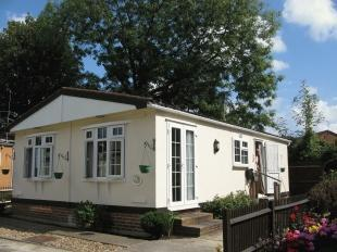 2 Bedroom Park Home For Sale In West Kingsdown Sevenoaks Kent TN15