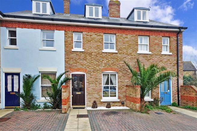 2 bedroom terraced house for sale in stream walk for Terrace house stream online
