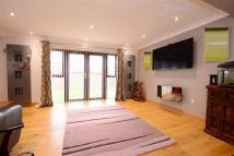 5 bedroom Detached house in Kirby Drive...