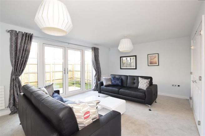 3 bedroom semi detached house for sale in south coast road peacehaven east sussex bn10
