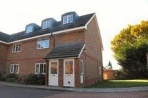 2 bedroom Maisonette in Chapel Lane, Farnborough...
