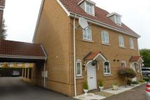 3 bed semi detached home in Knightwood Close...