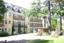 2 bed Flat to rent in Heathcote Road...