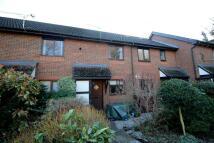 2 bedroom Terraced house in Medhurst Close, Woking...