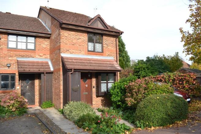 1 bedroom end of terrace house for sale in stonefield park maidenhead sl6