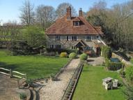 5 bed Detached home in Codmore Hill, Pulborough...