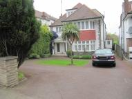 7 bedroom Detached house in GOLDERS GREEN...