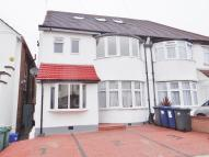 3 bed Ground Flat in HIGHFIELD AVENUE, LONDON...