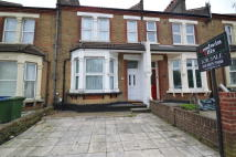 5 bedroom Terraced house in Plumstead Common Road...