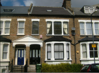 2 bedroom Flat in St. Margarets Grove...