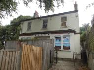 Ground Flat to rent in Purrett Road, London...