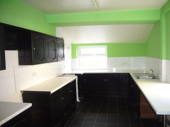 15' Kitchen