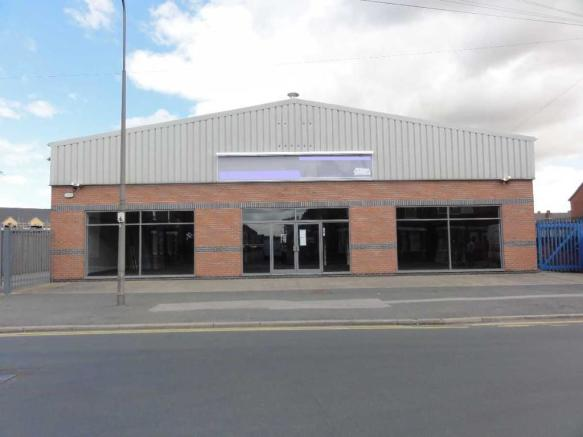 Front Elevation Showroom : Showroom to rent in centenary road goole east riding of