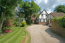 5 bedroom Detached home in Chipstead