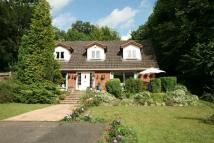 4 bedroom Detached home in Chipstead