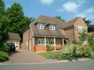 Coulsdon Detached property to rent