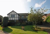 4 bedroom Detached property to rent in Cheam