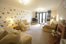 2 bedroom Semi-Detached Bungalow in Willows Green...