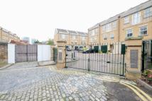 4 bedroom Town House in Manchester Road...
