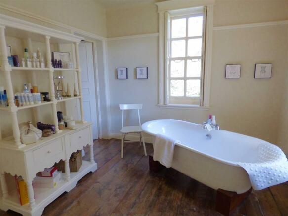 En-suite Bathroom On