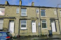 property to rent in George Street, Brighouse