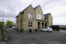 Flat to rent in Huddersfield Road...