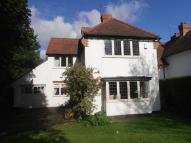 4 bed Detached property in LONDON ROAD