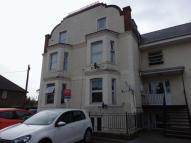 Ground Flat to rent in Temple Road, Epsom