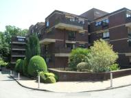Flat to rent in Epsom