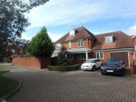 Detached property in The Cressinghams, Epsom