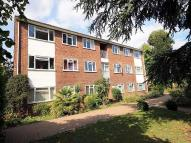 Flat in Manor Court Road, Hanwell