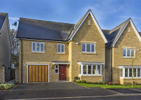5 bed Detached house for sale in Avington Way...