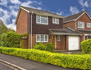 Link Detached House in Forest Drive, Chineham...