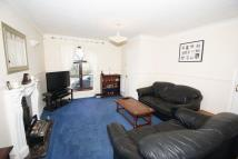 3 bedroom semi detached house to rent in Clifford Road, Grays