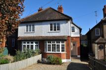 3 bedroom semi detached house to rent in College Road