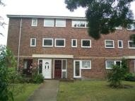 3 bedroom Maisonette to rent in Hever Close