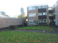 Ground Flat to rent in Heathfield Close...